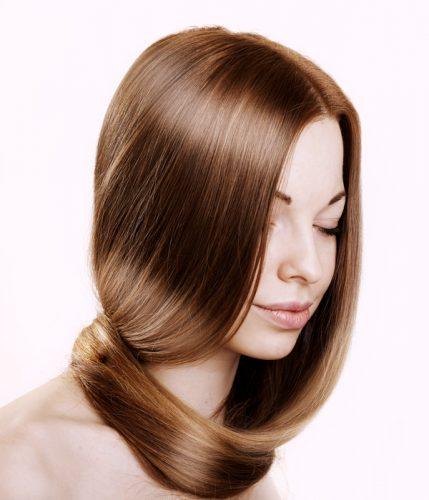 ツヤツヤの髪の女性