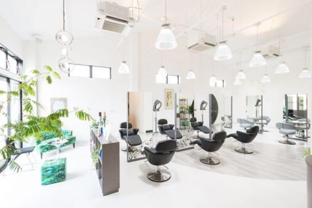 Lady's & Men's salon umbrella(アンブレラ)の美容師の求人募集